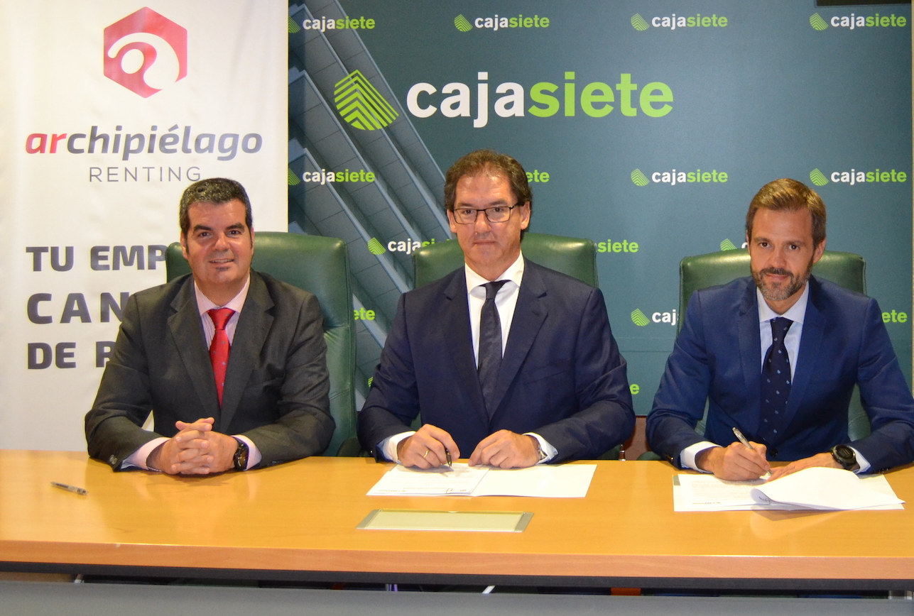 Firma de acuerdo entre cajasiete y archipi lago renting for Cajasiete oficinas